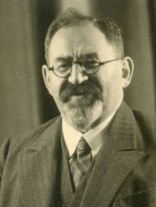 Rabbiner Dr. Julius Cohn, spätere 30er Jahren. Quelle: DZOK